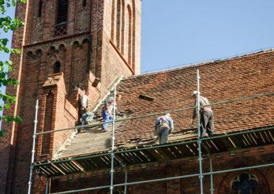 remont dachu nad nawą główną 2