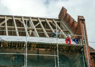 remont dachu nad nawą główną 3