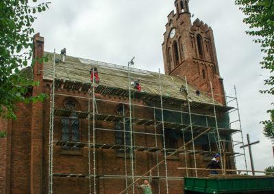 remont dachu nad nawą główną 5