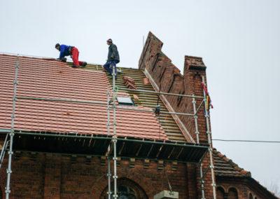remont dachu nad nawą główną 8