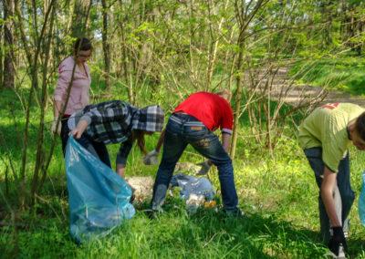 sprzątanie lasu koło Ownic 2