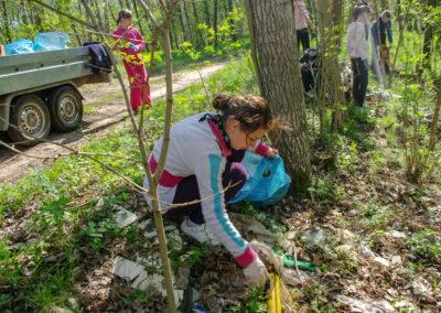sprzątanie lasu koło Ownic 4